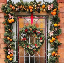 Christmas home decorations: wreaths and garlands